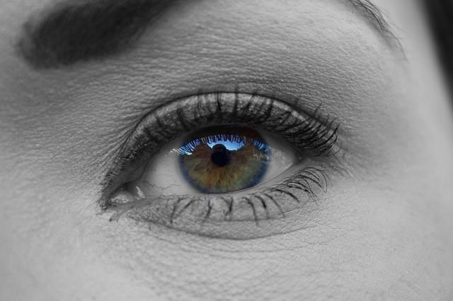Vrásky kolem očí